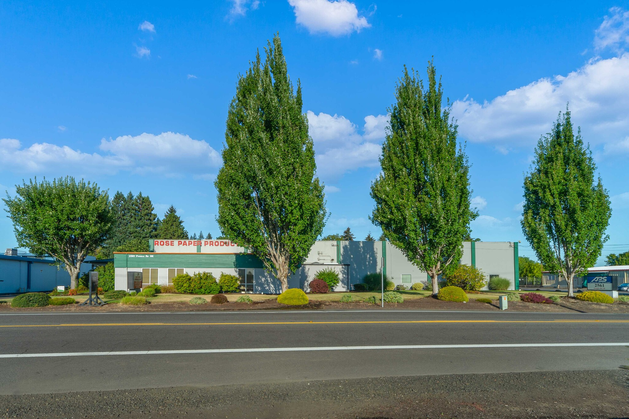 Exterior view of 2561 Pringle Rd SE, Salem OR